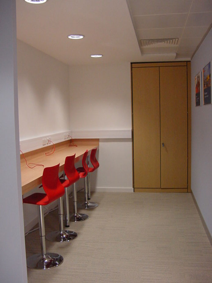 copy-of-london-office-hotdesk-05
